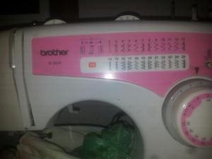Máquina de Coser Brother Xl  Opera