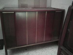 Mueble Antiguo Tocadiscos Magnavox Años 60
