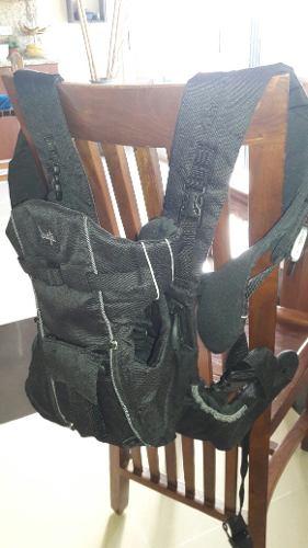 Portabebe Tipo Canguro Usado Color Negro