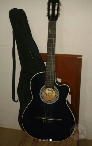 Guitarra Acústica con Forro