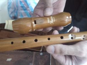 Por Motivo De Viaje Se Vende Flauta Dulce Hohner