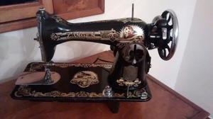 Maquina De Coser Antigua Marca Zangen