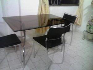 Juego de Comedor de 4 sillas, cromado y vidrio grueso.