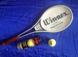 Raqueta De Tennis Y Pelotas