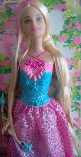 Muñeca Barbie Reino Peinados Magicos Original De Mattel