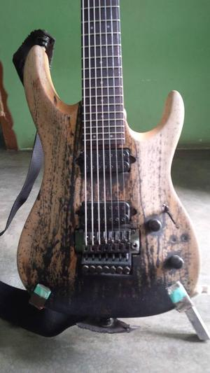 GUITARRA 7 cuerdas.