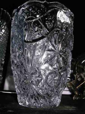 Florero De Cristal De Bohemia Tallado En Perfecto Estado