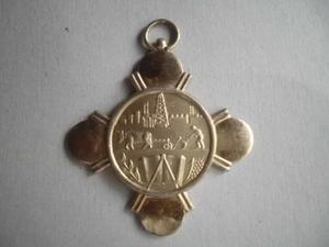 Se Vende Bellisima Medalla De Merito En El Trabajo..