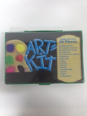 Kit De Arte Para Niños Con Colores Pinturas. Color Verde