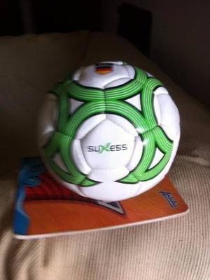 Oportunidad. Balon De Futbol No 4, Marca Suxess Importe