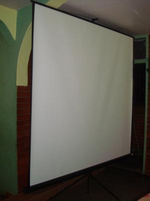 Pantalla De Proyeccion Tripode Proyector/video Beam 2x2 Mts