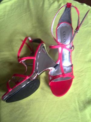 Sandalias Rojas Nuevas