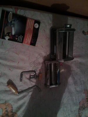 maquina laminadora de masa, pastelitos, tequeños, pan e.t.c