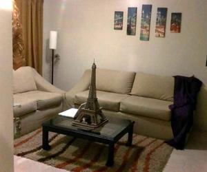 Juego de muebles para sala con mesa y alfombra