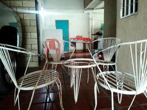 Mesa y sillas para porche piscina posot class for Sillas de piscina