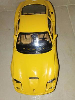 Carro A Escala Burago F550 Maranello  Amarillo