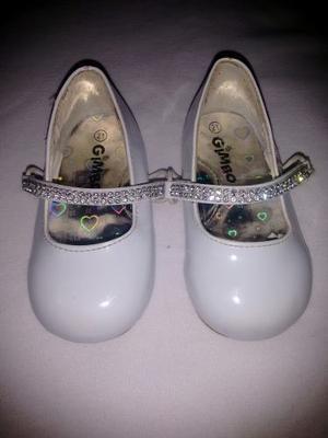 Zapatos De Niña. Talla 21. Marca Gimbo.