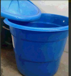 Vendo tanque de agua plastico de 600 ltros posot class for Vendo estanque para agua