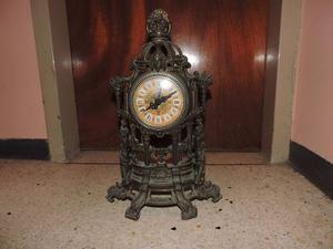 Reloj De Bronce Antiguo Hecho En Suiza