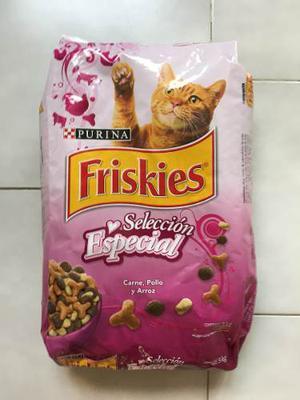 Friskies Alimento Para Gatos Y Gatitos 3 Kg