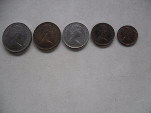 Bella Colección De 5 Monedas New Pence