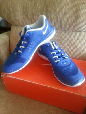 Zapatos Nike Free Run Talla 38.5 Nuevos
