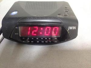 Radio Reloj Despertador Jwin