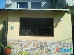 Hermosa y amplia casa en Urb. Parque Valencia