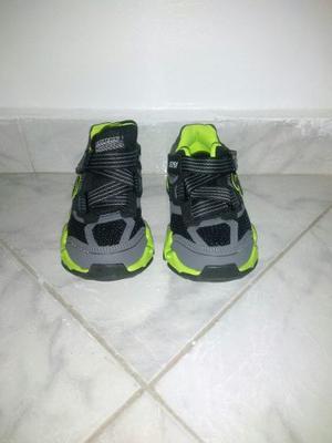 Zapatos Skechers Nuevos Para Niños Talla 33