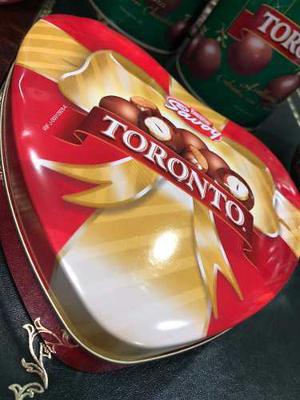 Lata O Envase De Corazon Toronto Navidad Regalo