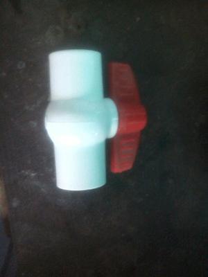 Llave De Paso Plástico De 1/2 Rosca