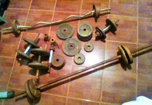 juego de pesas con do barras y dos mancuernas