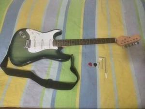 Guitarra Eléctrica Fretmaster Zurda Como Nueva + Accesorios