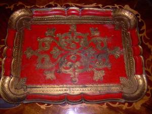 Antigua Bandeja Fiorentina De Madera Pintada Color Rojo