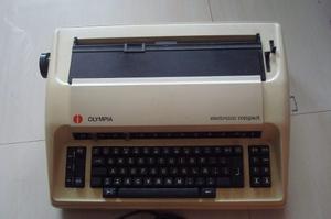 Maquina De Escribir Electronica Olympia Internacional.