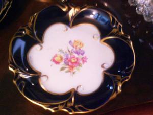 Plato De Porcelana Marca Jl Menau Color Azul Cobalto Con Oro