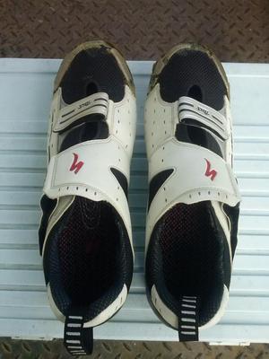Zapatos ganchos de con protector posot class for Ganchos para colgar botas