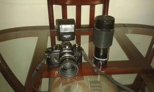 Camara Nikon Modelo Em 135 Mm Con Flash Y Lente Zoon