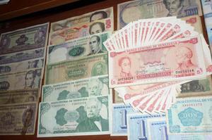 se vende billetes venezolanos
