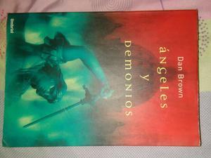 Libro físico Ángeles y Demonios Dan Brown poco uso