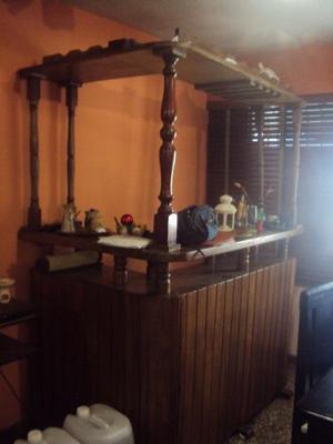 Bar En Madera Estilo Country. En Buenas Condiciones.