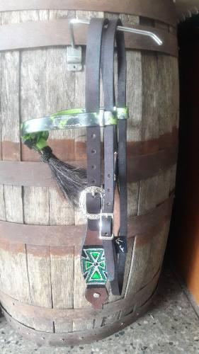 Bosal y bajante para caballo marca weaver posot class for Cabezadas para caballos