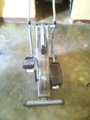Maquinas para hacer ejercicios posot class for Maquinas de ejercicios