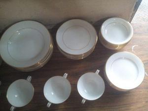 Juego De Vajilla De Porcelana Royal Court Con Bordes De Oro