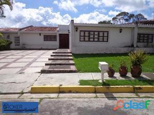 Bella casa en Lomas de La Lagunita