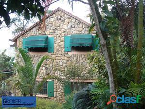 Casa en venta con gran terreno en el Hatillo