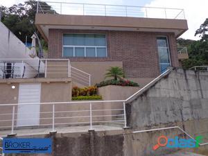 Cómoda y lujosa casa ubicada en La Union-Los Robles