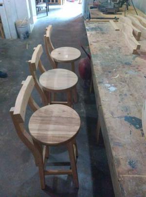 Bancos taburetes de madera para bares o mesones posot class for Mesones de madera