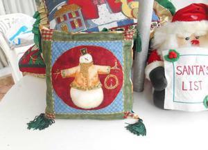 Cojin Navideño Con Borlas Decorativo Muñeco Nieve Navidad