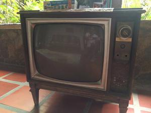 Mueble - Tv Antiguo Marca Westinghouse